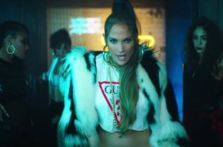 POWER PLAY: Jennifer Lopez – Amor, Amor, Amor