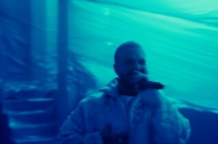 POWER PLAY: J Balvin – Azul